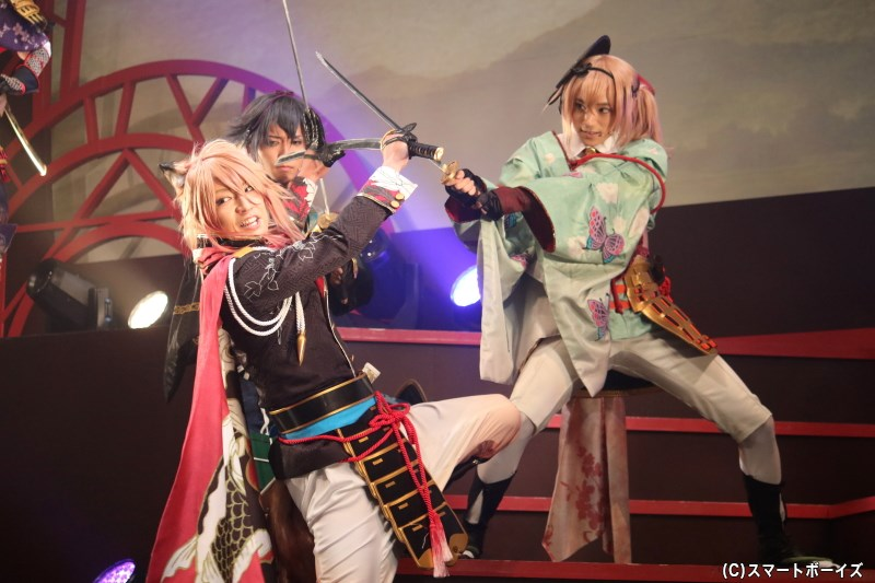 (手前左から)直江兼続役の陳内将さん、黒田官兵衛役のTAKAさん、竹中半兵衛役の定本楓馬さん
