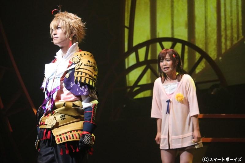豊臣秀吉役の赤澤燈さん(写真左)