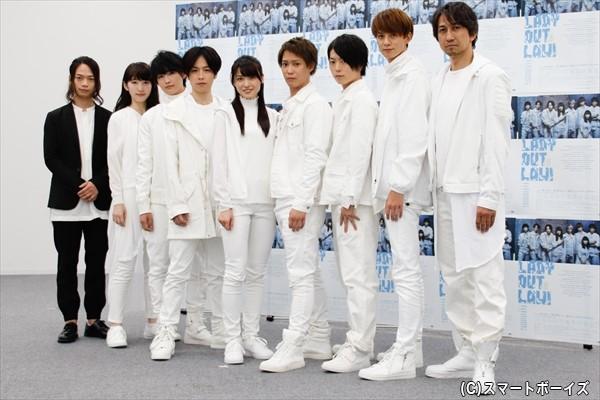 (左より)池田純矢さん、日比美思さん、増子敦貴さん、鈴木勝吾さん、矢島舞美さん、味方良介さん、松井勇歩さん、小野建斗さん、神尾佑さん