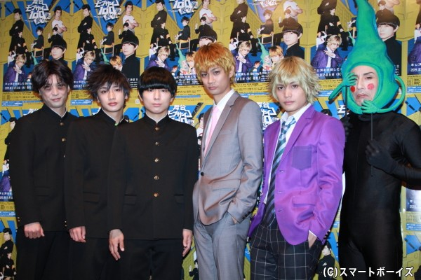 (左より) 平田裕一郎さん、松本岳さん、伊藤節生さん、馬場良馬さん、河原田巧也さん、なだぎ武さん