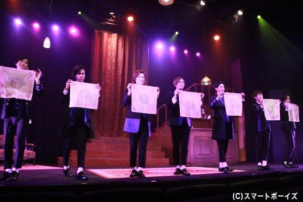 第2部のレヴューショーでは、通常のCAFE公演でもお馴染みの人気ナンバーを披露しています!