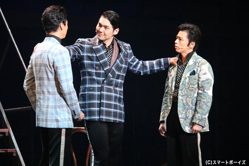 トミーが起こすトラブルの影も大きくなる中、ニックがある言葉をメンバーに切り出す