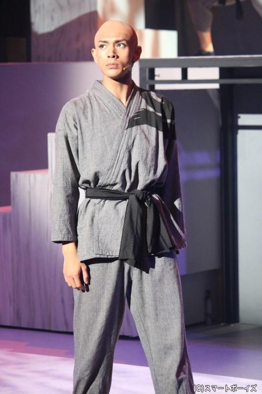 常に冷静な優等生:青藍(せいらん)役の古谷大和さん