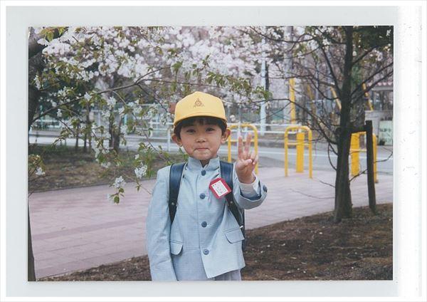 吉沢さん幼少期のお写真_r