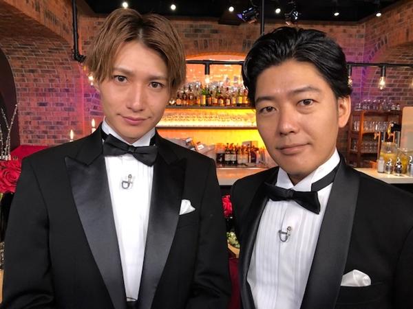 レギュラーMCを務める阿諏訪泰義さん(右)と井深克彦さん(左)