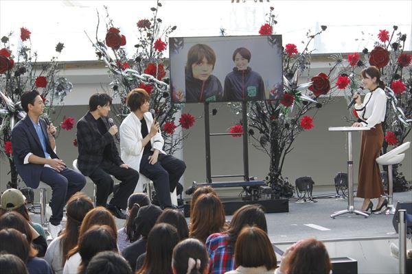 トークテーマ「メタルマクベス舞台裏自撮りPHOTOトーク」で、浦井さんが夫婦を演じる長澤まさみさんとの2ショットを披露。