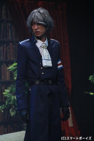 隠由鷹役の吉岡佑さん