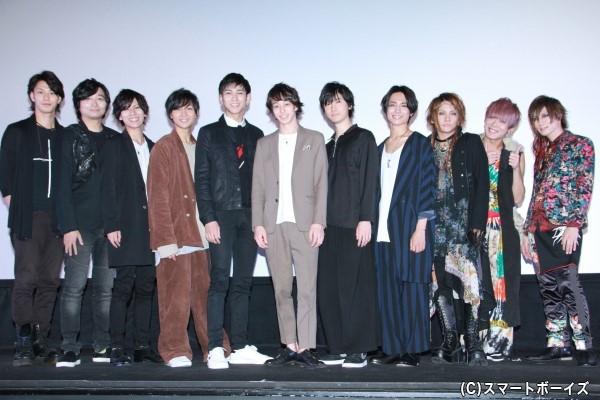映画『メサイア ―幻夜乃刻―』完成披露舞台挨拶には、総勢12名が登壇!