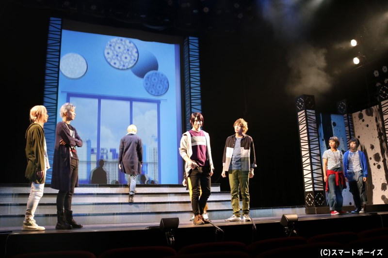 SolidS、QUELLのメンバーたちは、長野で妖怪に扮したMVを撮ることに