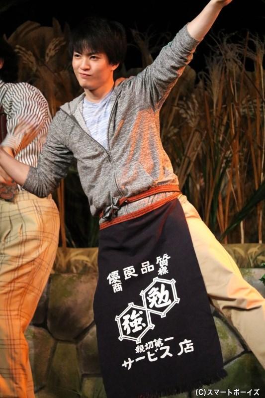 タクフェス恒例・カーテンコールではキャスト陣がダンス! 大薮さんの軽快さに注目です
