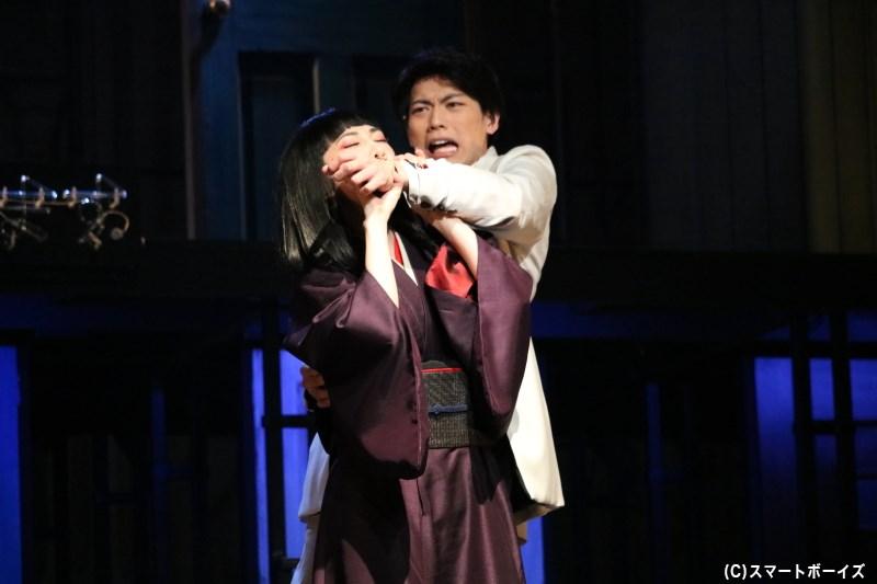 薫の母である井上夫人は、男の血を吸わずには生きられない「吸血鬼」の女だった
