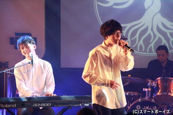 「シキドロップ」 (左)平牧仁さん、(右)宇野悠人さん