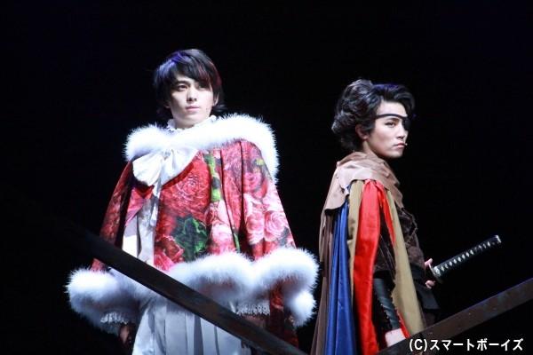 (左)武田晴信役の佐奈宏紀さん (右)山本勘助役の内藤大希さん