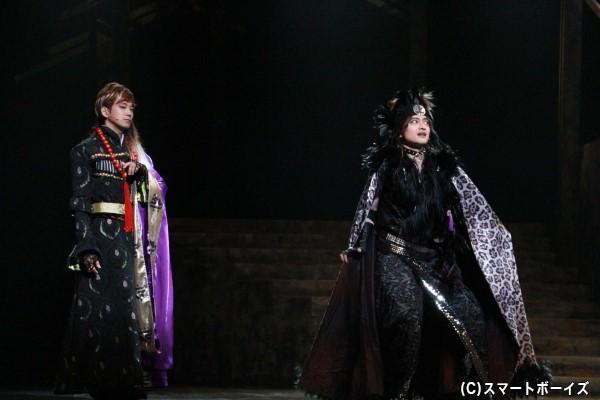 (左より) 顕如役の辻本祐樹さん 村上義清役の木ノ本嶺浩さん