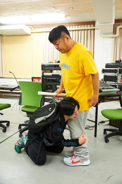 安川純平さんが体当たりな演技!