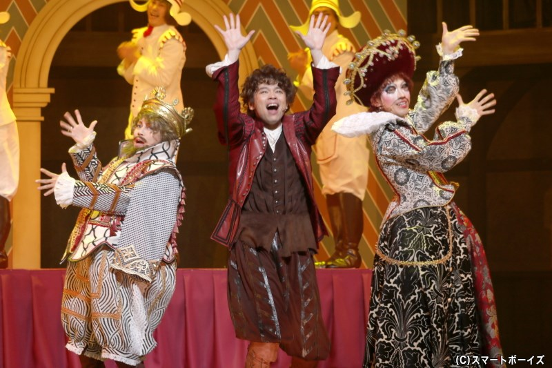 ミュージカルファン必見、劇作家たちが繰り広げるコメディ・ミュージカルが開幕!