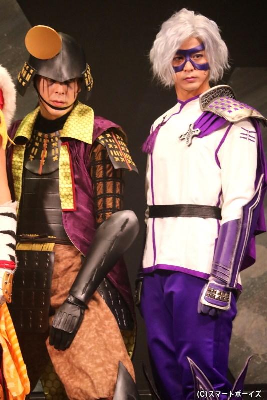 (左から)後藤又兵衛役の汐崎アイルさん、竹中半兵衛役の末野卓磨さん