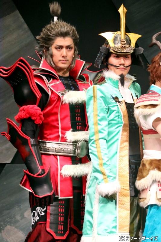 (左から)豊臣秀吉役の佐々木崇さん、最上義光役に寺山武志さん