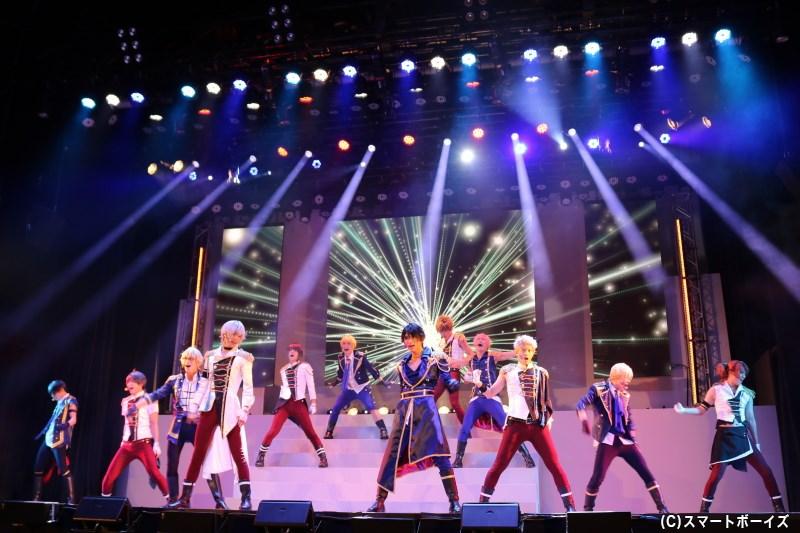2幕・ダンスライブでは各メンバーの見どころたっぷり! ソロショットもお届け