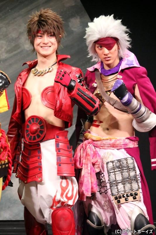 (左から)主演・真田幸村役の松村龍之介さん、長曾我部元親役の白又敦さん