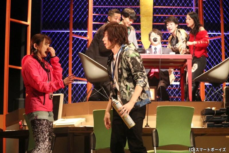 ジーザス不在の中、長谷部はスタジオ内の人々で生放送を強行するが……