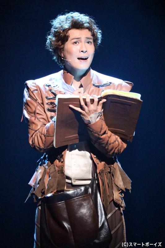 シェイクスピアにひそかに憧れ、詩を綴っているニックの弟・ナイジェル(平方元基さん)