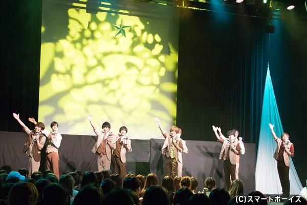 公演は「Oh!シンデレラ」「Season~もっと君と~」の爽やかな曲でスタート!