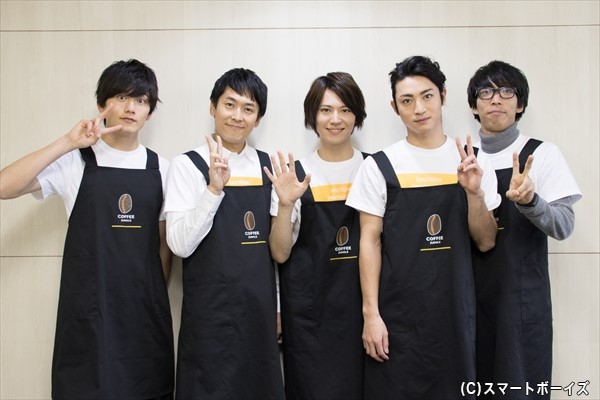 (左より)水石亜飛夢さん、せとたけおさん、山崎大輝さん、木村達成さん、宮川智司さん