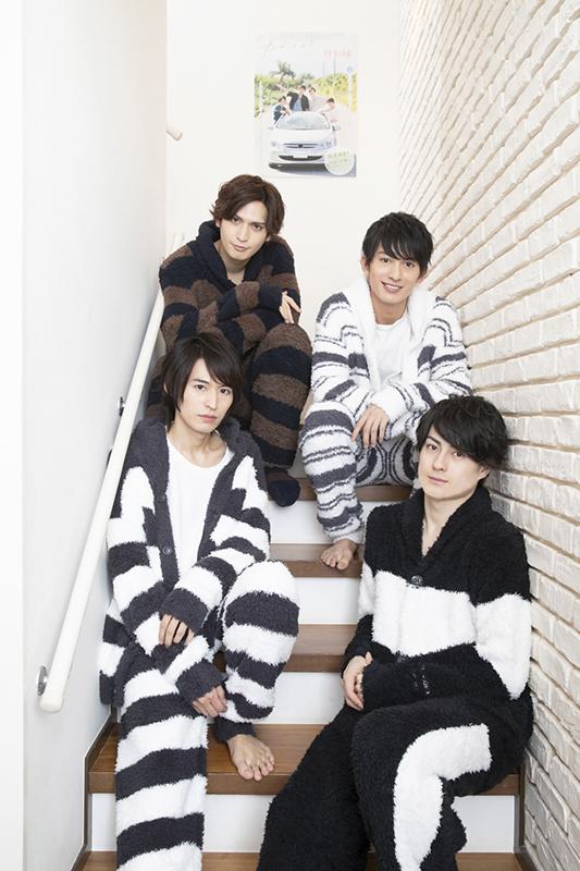 (後列左から)小波津亜廉さん、菊池修司さん (前列左から)高本 学さん、松村龍之介さん