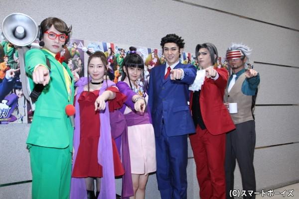 (左より)小南光司さん、大矢真那さん、中村麗乃さん、加藤将さん、小波津亜廉さん、友常勇気さん