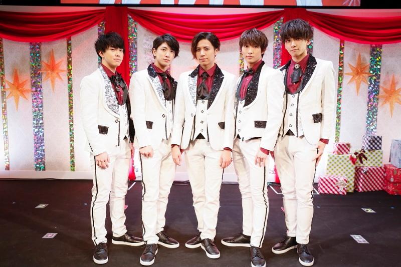 (左から)MAGURA(助川真蔵さん)、OMI(大海将一郎さん)、LEO(三谷怜央さん)、RYO(滝澤 諒さん)、SION(吉高志音さん)