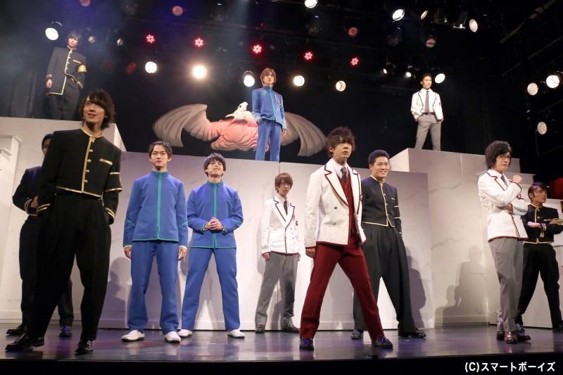 プライドをかけた、男たちの闘いがはじまる! 舞台『青春歌闘劇バトリズムステージWAVE』上演中