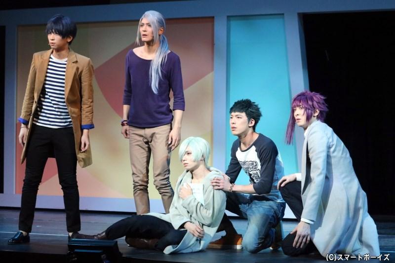 様々な背景をもつ「冬組」メンバーは、劇団を揺るがす勝負へと挑むことに