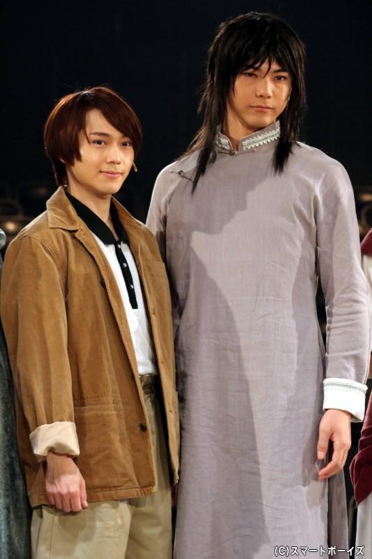 (左から)才賀勝役の深澤大河さん、加藤鳴海役の滝川広大さん