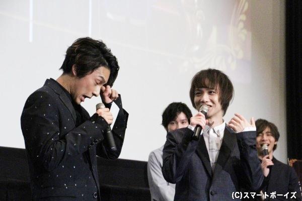感動の涙(?)を流す橋本さんですが、植田さんは終始笑いっぱなし