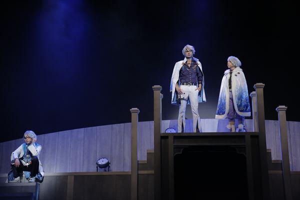 (左)グレイシア役の高橋里央さん、(右)シュニー役の山中健太さん