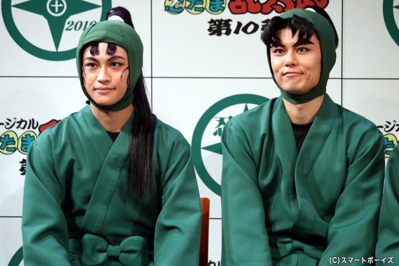 (左から)立花仙蔵役の湯本健一さん、潮江文次郎役の渡辺和貴さん