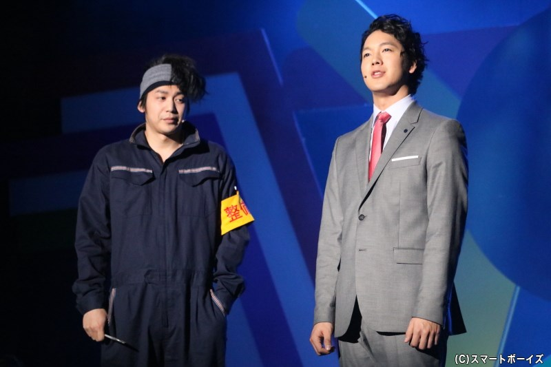 (左から)整備士・増木敏朗(磯貝龍虎さん)と広報・青木田雄三(山沖勇輝さん)