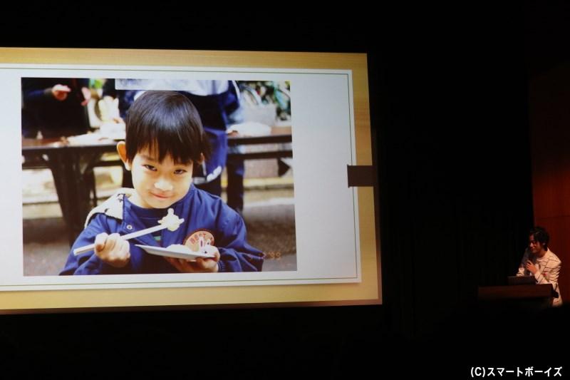 幼少期からすでに高橋さんらしい表情の写真には、場内も大爆笑でした!
