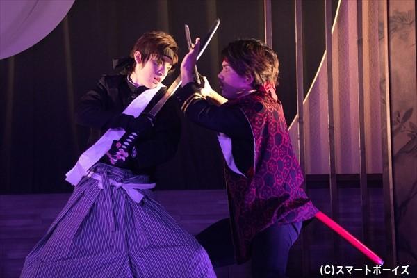 舞台は幕末の福岡。旧幕府軍と新政府軍の争いが激化!(左・矢代さん、右・三岳さん)