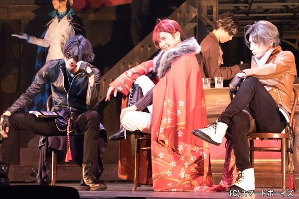 (左より)小坂涼太郎さん、平野さん、陳内将さん