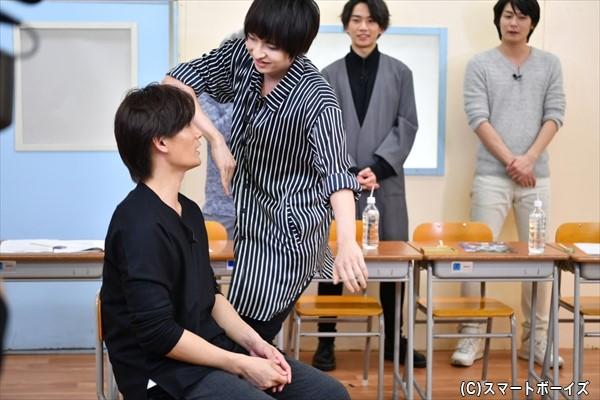 佐々木さんは積極的に情熱ダンスで攻めます