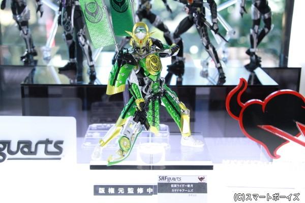 会場では「仮面ライダー斬月 カチドキアームズ」をはじめとする仮面ライダー鎧武のフィギュアーツを展示