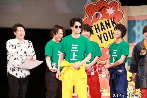 「自作自演クイズ」は、得意の英語を駆使した長田さんが大活躍!