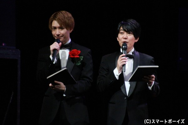 MCを務めた阿諏訪さん(右)と井深さん(左)