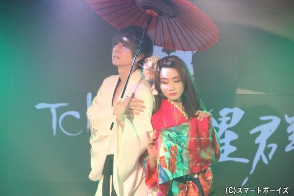 安里さんと騎田さんによる妖艶な舞い