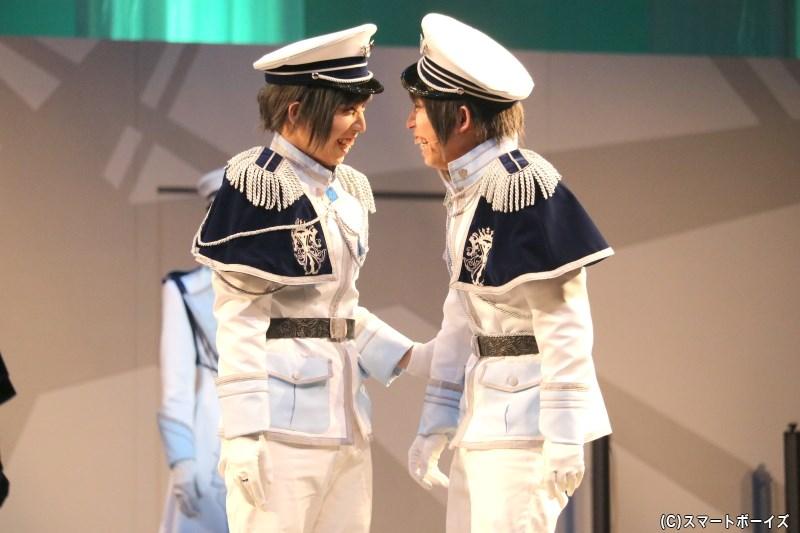 (左から)久我壱星役の山中健太さん、久我壱流役の山中翔太さん