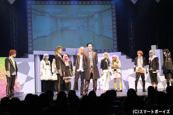 和泉宗兵さん演じる特別講師の黒野幕男がアイチュウ達の前に現れ、新作映画のテーマ曲タイアップの公開オーディションが開催されることに!