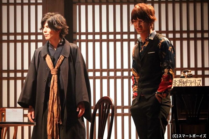 ある理由から「桃源郷」を訪れた浦島雨海(健人さん)、桃太郎の祖父・吉備真備(右・中村優一さん)