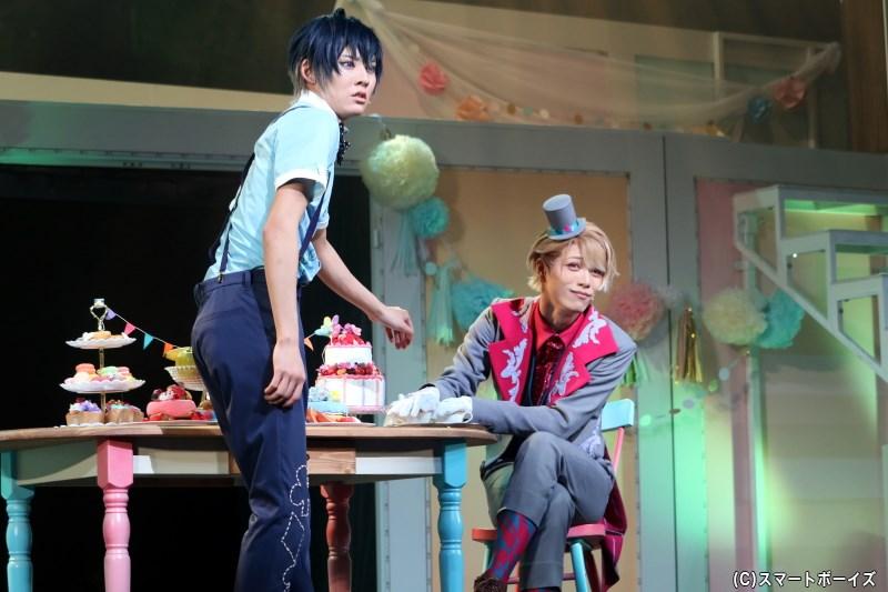真澄と準主演・茅ヶ崎 至の掛け合いが見どころの会話劇、果たして成功するのか!?